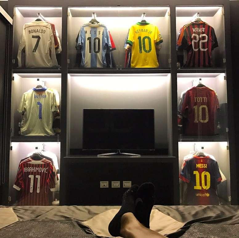 camisetas en la habitacion