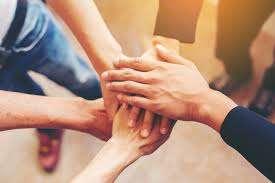 manos apiladas